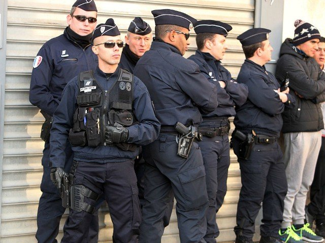 French Police Defy Their Unions to Vote For Le Pen