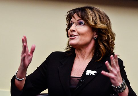 Sarah Palin Baselessly Accused of Being a Neo-Nazi After Innocuous Tweet