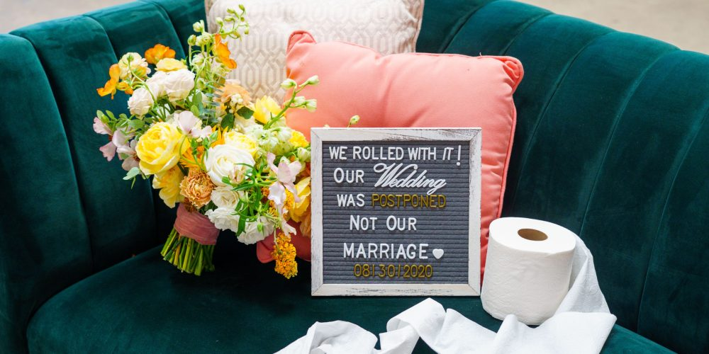 Micro wedding with a BIG color palette!
