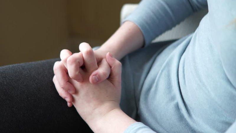 folded hands stop fidgeting
