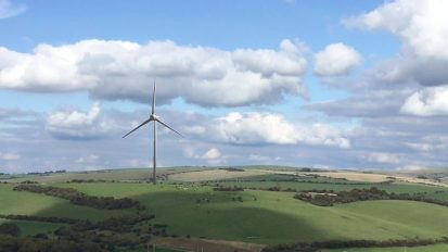 Windfarm Videomontage with Live Video