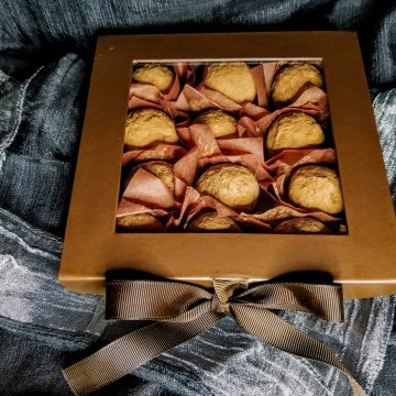 Signature Old Fashioned Chocolate Truffles & Macarons