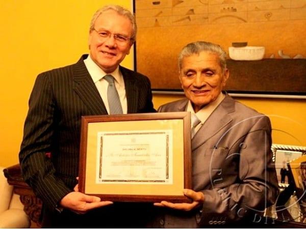 muere reconocido periodista peruano Antonio Fernández Arce
