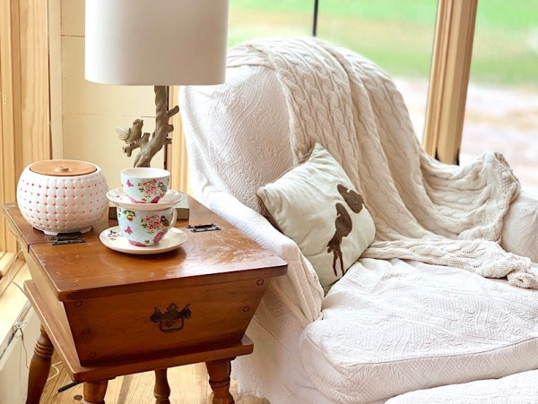 winter, essential oils, cozy, farmhouse, teacup, diffuser, winter blues
