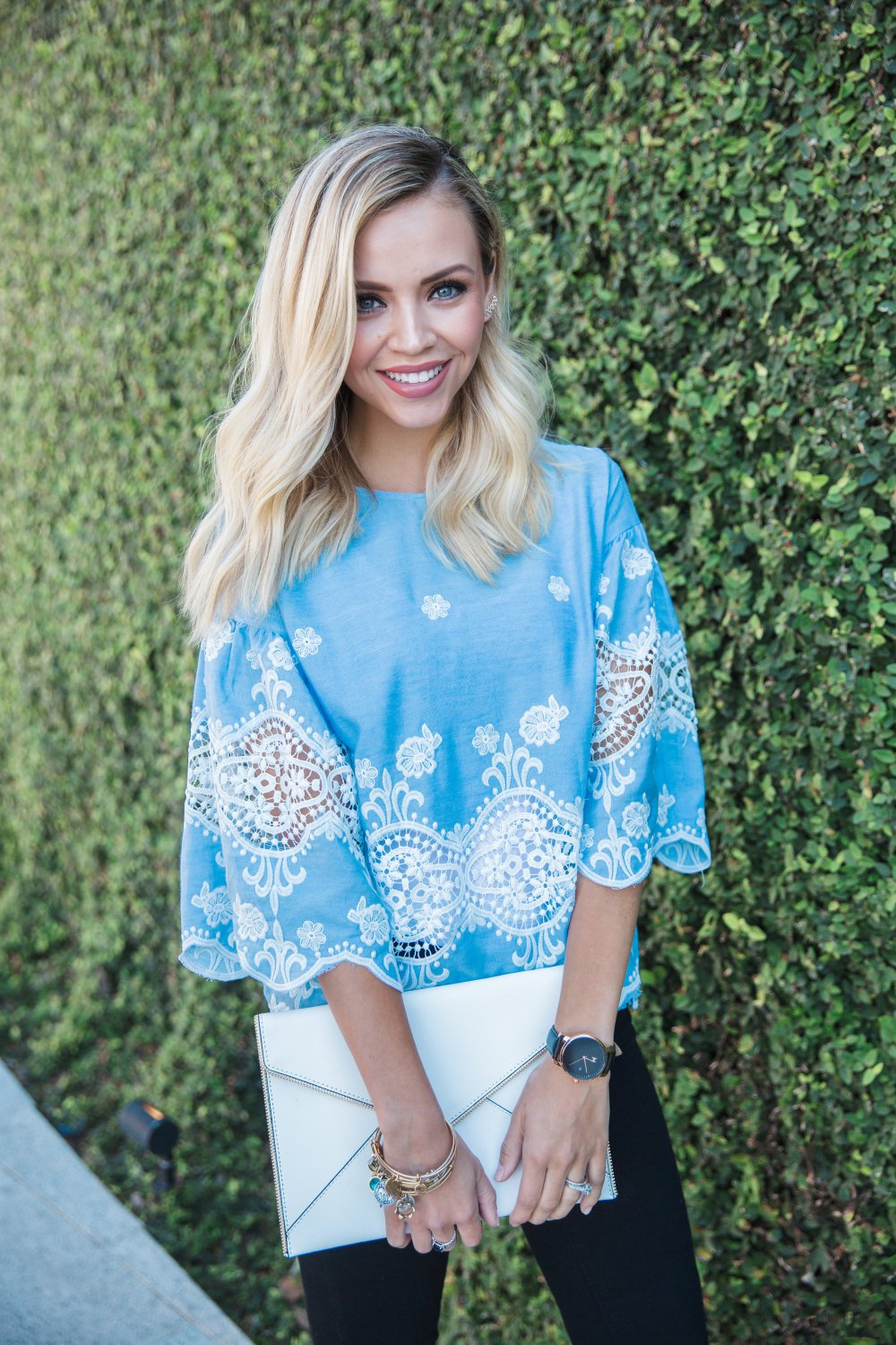 Destiny_Thompson_Blue_Top_Fashion_Blogger