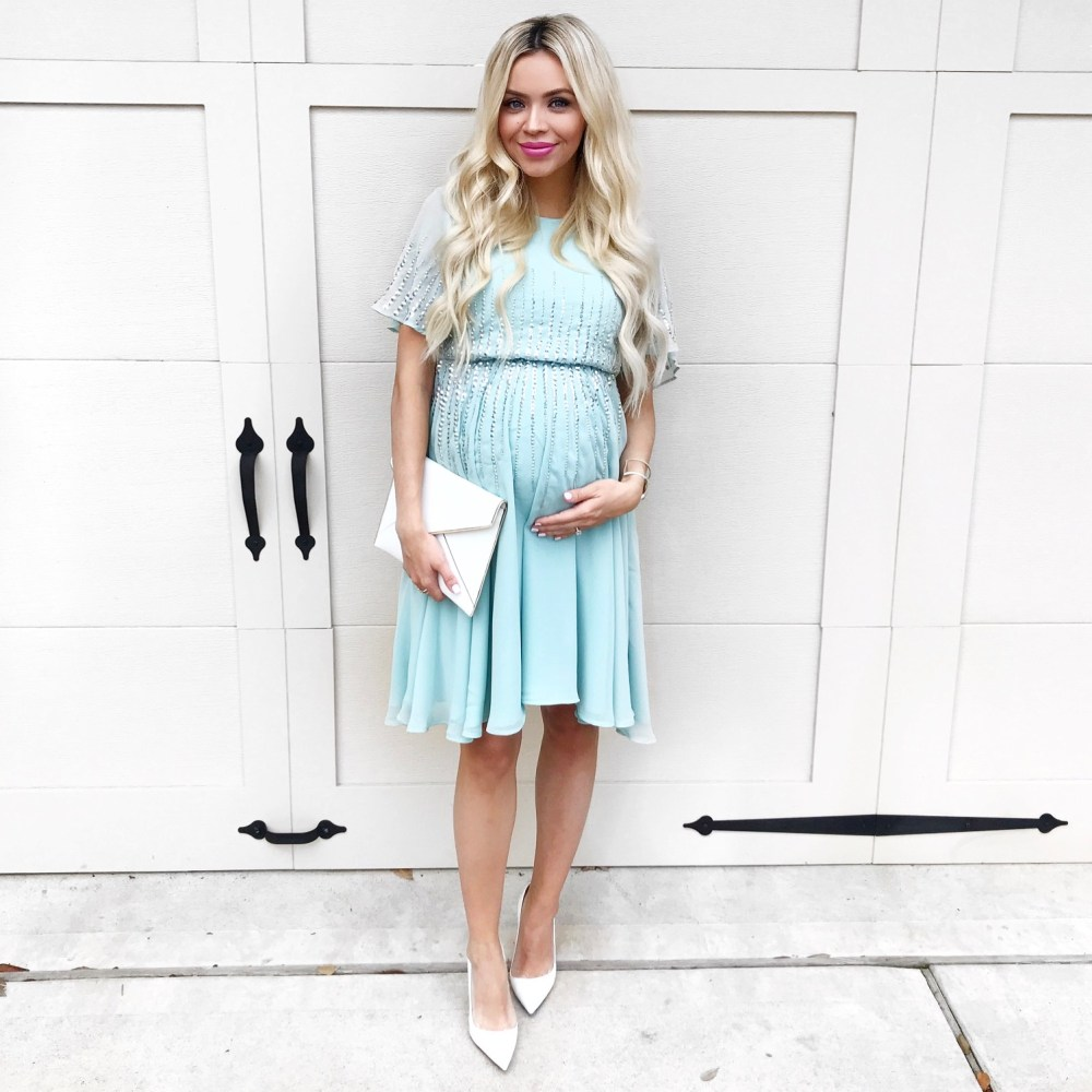 Maternity clothes have come a long way through the years! This maternity dress is STUNNING! Perfectly elegant and can be worn for SO many occasions! The color is so dainty and perfectly paired with your pregnancy glow!