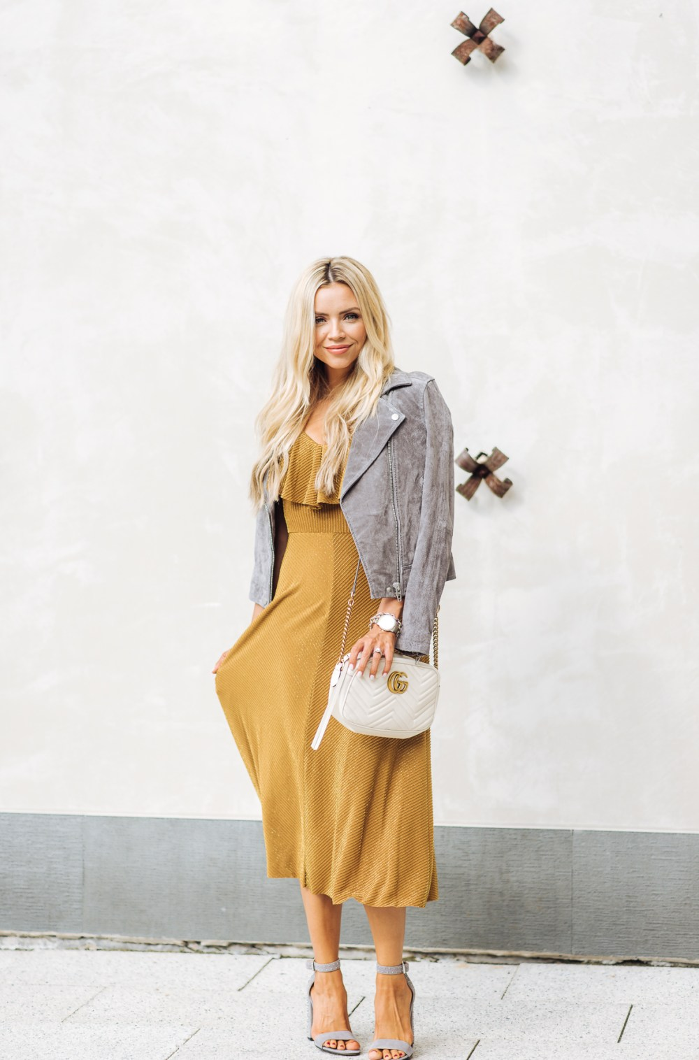 Gray and yellow combo! My favorite color combo featuring this amazing suede jacket! Perfect for fall!
