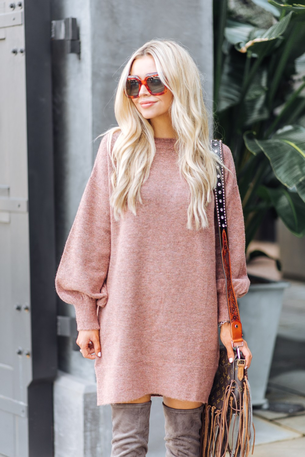 This over-sized sweater dress is perfect for fall and comes in the perfect mauve color! More color options on the blog!