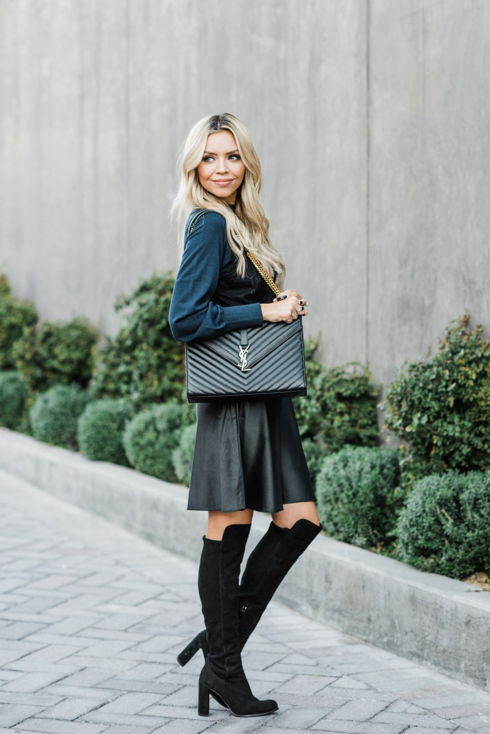 Blog post on Splurge Worthy gifts is on the blog! Check out this amazing Hybrid Slip & Sweater dress from Nordstrom! The lace detail is so pretty and the perfect girly touch! #trulydestiny #holidaygiftguide #fashiondresses
