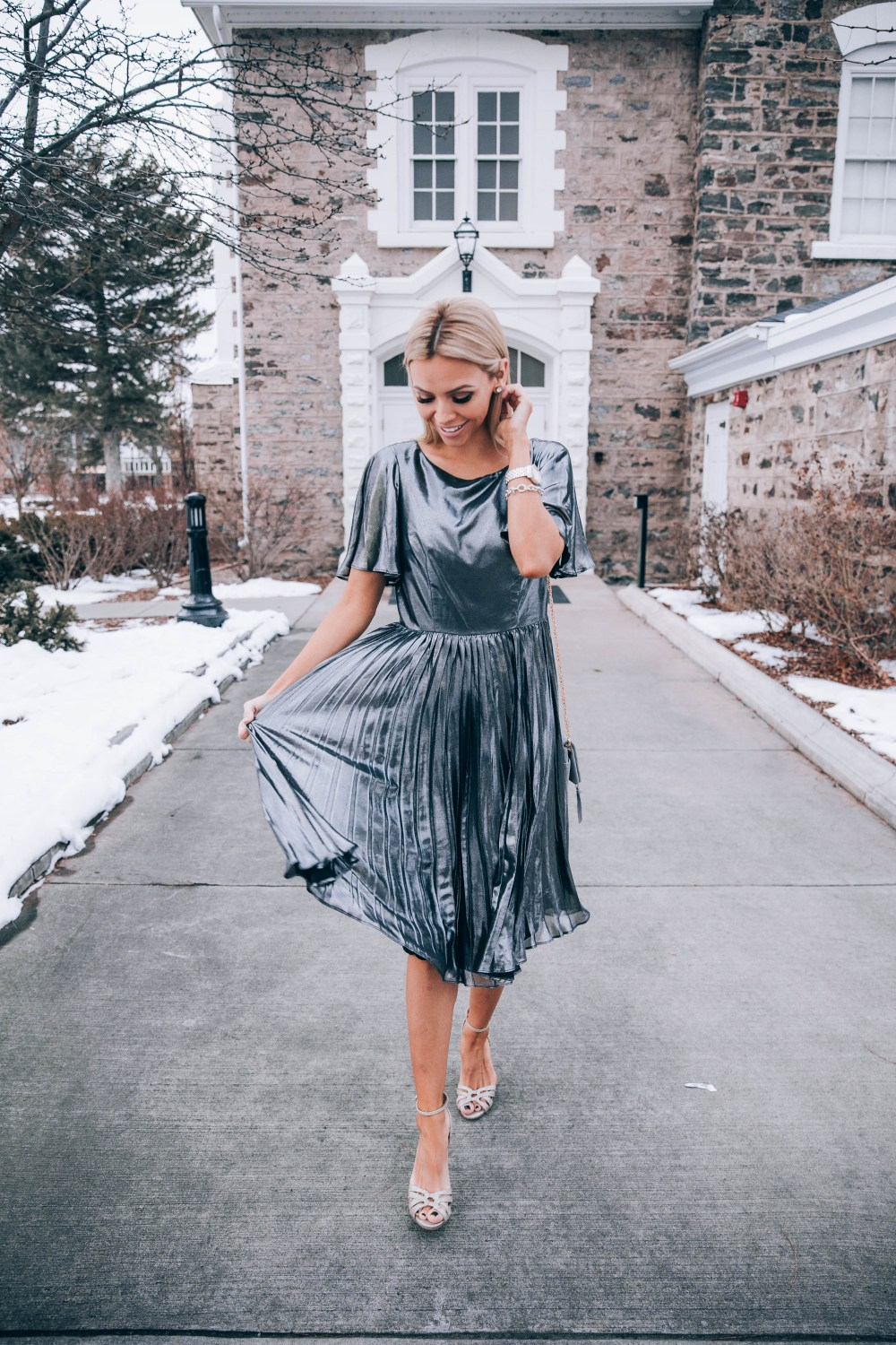 Listing my favorite dresses from Modcloth for the holiday season! I chose this dress because of how classic it is and it can be worn for parties, church, weddings, and more! Any of these dresses would make the perfect holiday outfit! #holidayfashion #newyearsoutfit #christmasoutfit