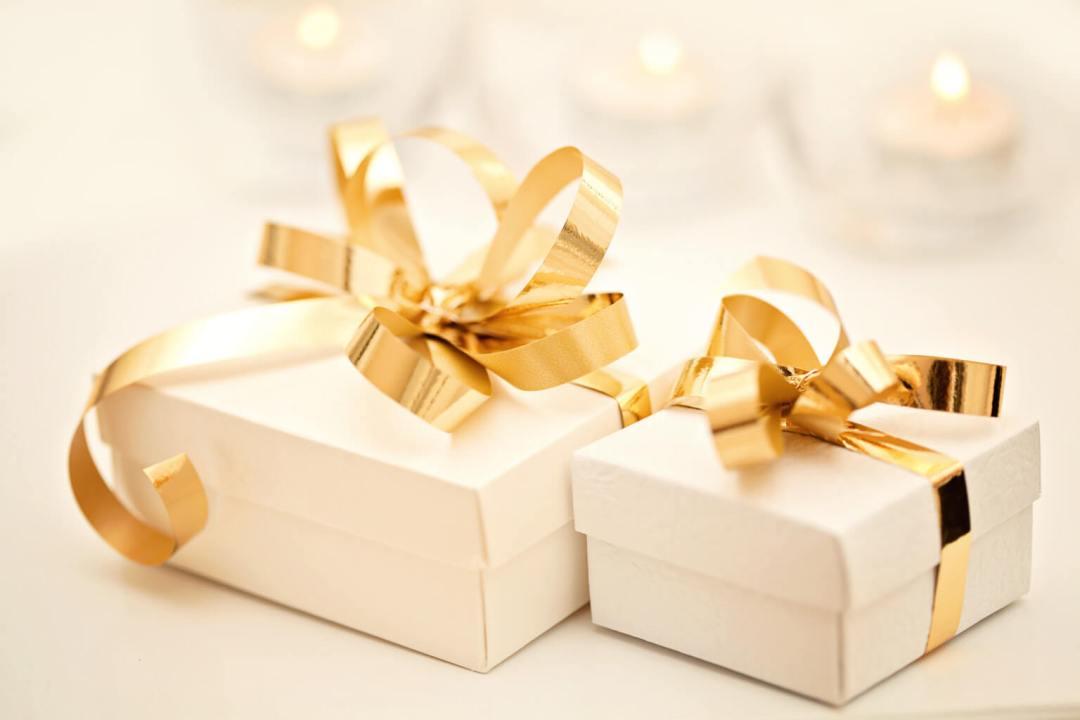 Gifting Etiquette