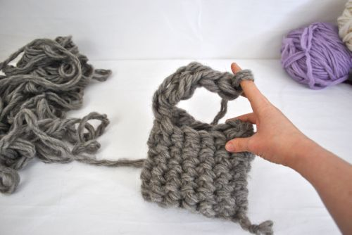How To Finger Crochet A Purse - Truly Majestic