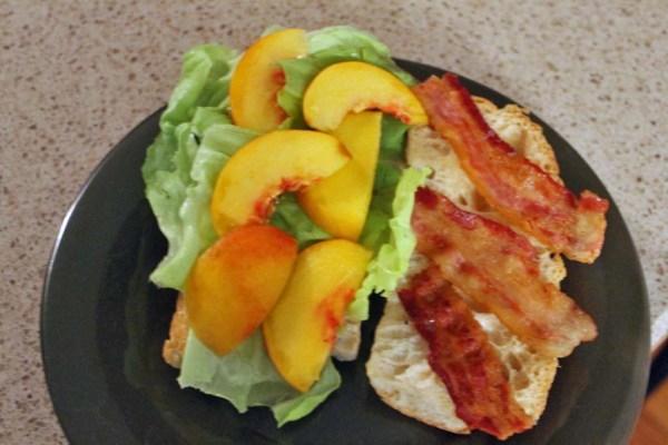 Bacon_Lettuce_Peach_Sandwich