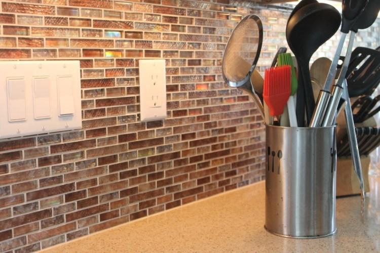 Kitchen_Remodel_Countertop_and_Backsplash_Milwaukee