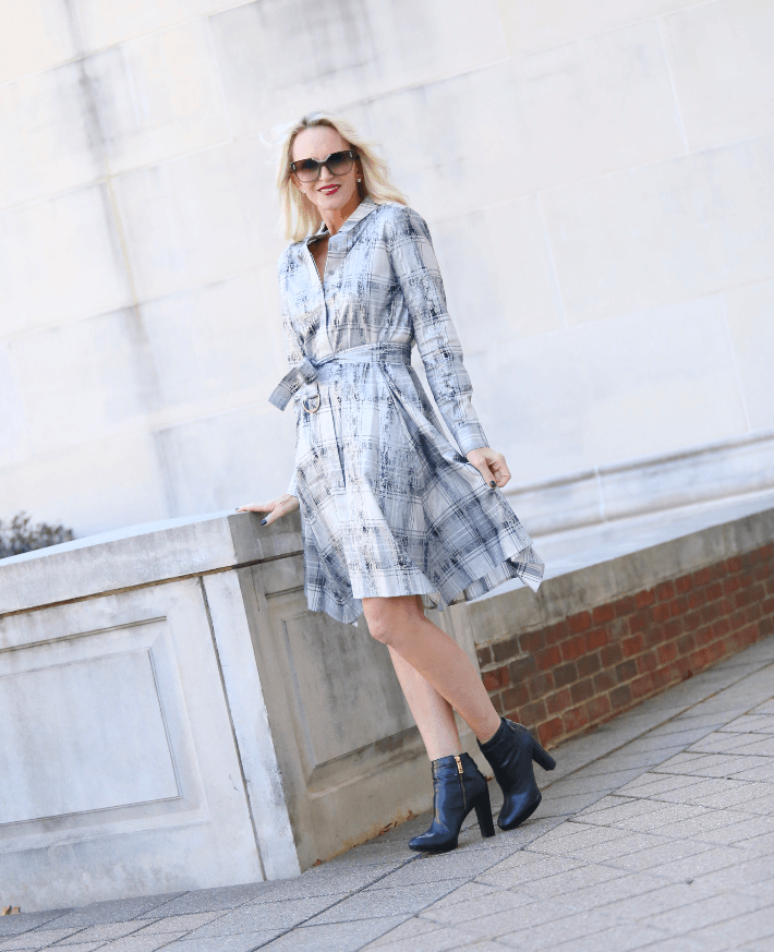 Dallas style blogger 'Truly Megan' channels Meghan Markle in Worth New York shirt dress and Tory Burch black block heel booties.