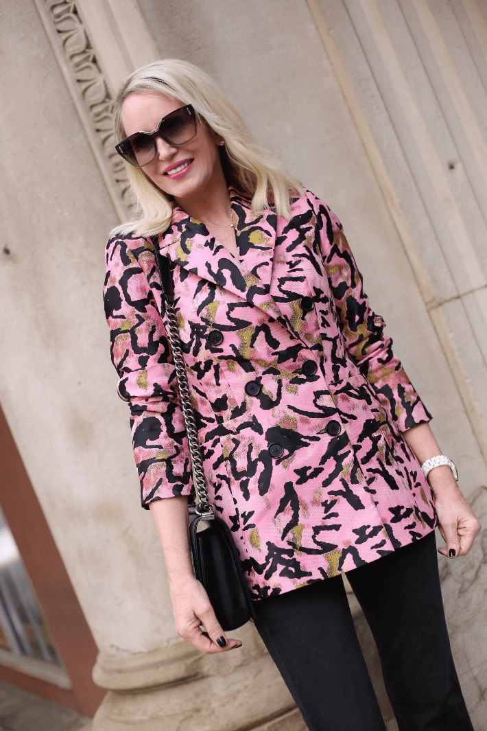 Dallas fashion blogger wearing pink jacquard double breasted jacket.