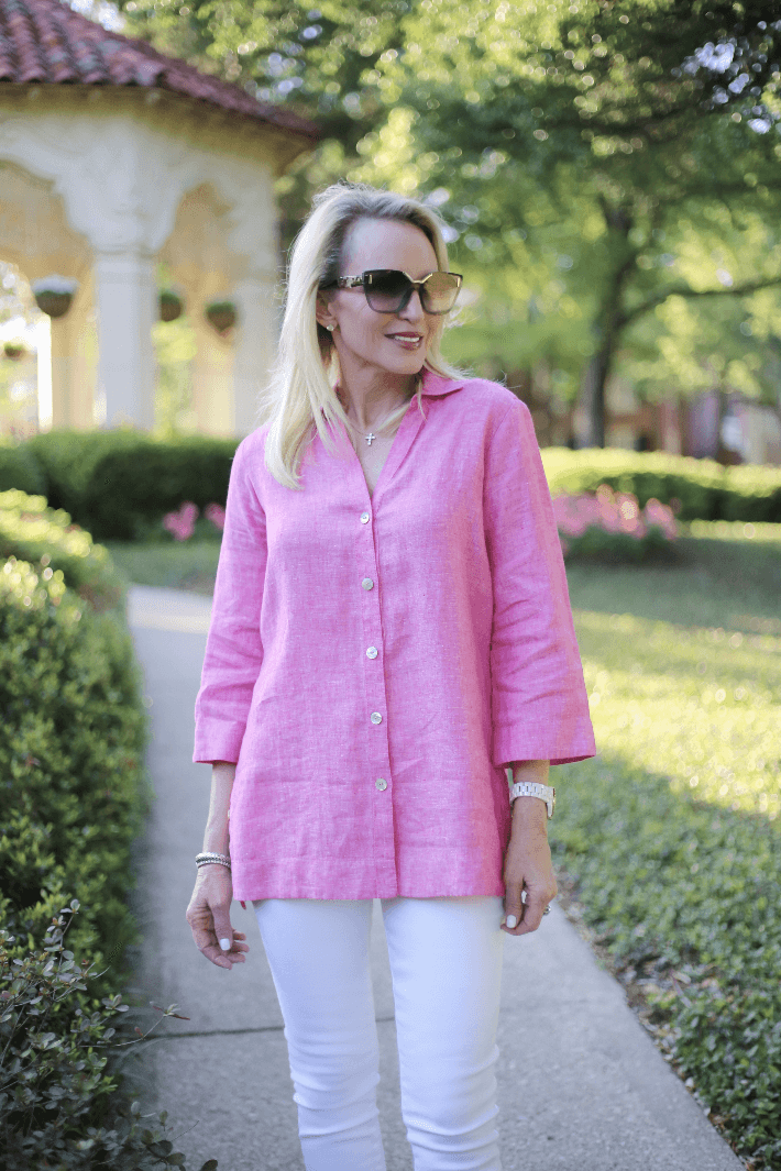 Dallas style blogger Truly Megan wearing Foxcroft linen tunic in flamingo pink.