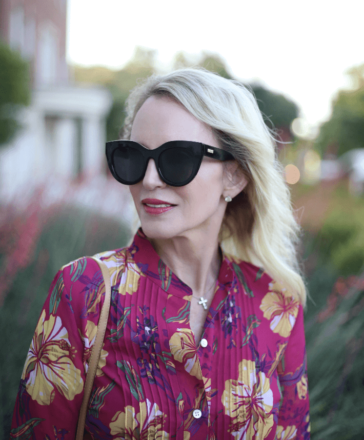 Style blogger Truly Megan wearing Le Spec Air Heart Sunglasses.