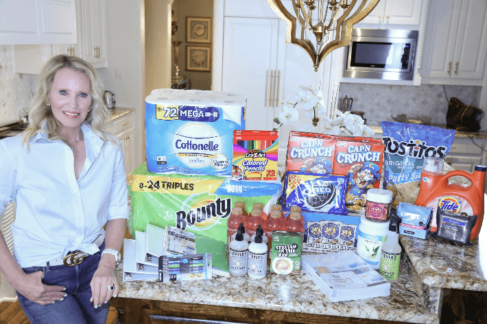 Dallas style blogger Truly Megan shows her online delivery order with Walmart next day delivery service. #walmart #momhack #nextdaydelivery