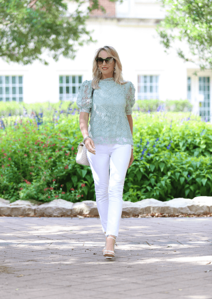 5 Fashion Rules To Follow When Wearing White Jeans