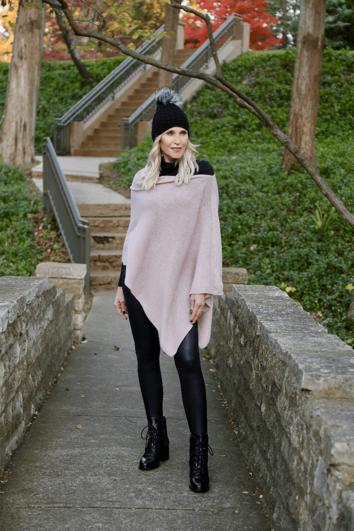 Dallas blogger Truly Megan wears Spanx Faux Leather Leggings and Peach Winter Knit Ruana in Dusty Lilac.