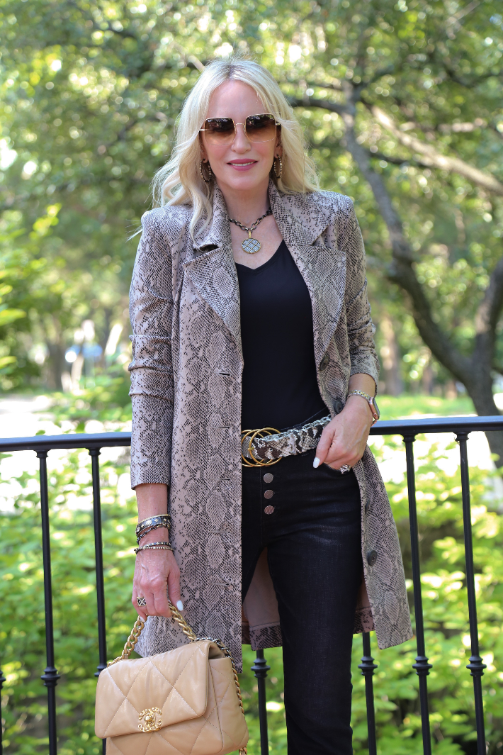 Dallas blogger wearing the cabi King Cobra Coat, Button Fly Straight Leg Jeans and Serpent Belt from the Fall 2021 Collection.