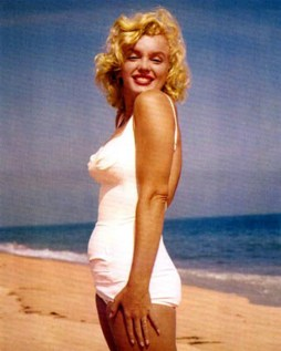 Marilyn Monroe + bathing suit + Long Island 3