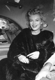 Black fur coat Marilyn