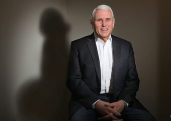 Mike Pence casts a penis-shaped shadow