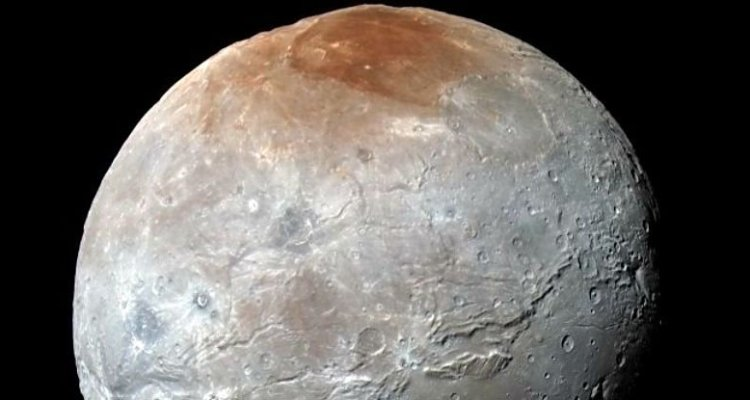 charon lune pluton rouge pole nord new horizons