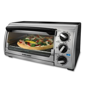 3. Black & Decker TRO480BS Toast-R-Oven 4-Slice Toaster Oven