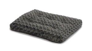 3.Midwest Quiet Time Pet Bed Deluxe Black Fur Pet Mat