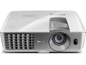 1.BenQ W1070 1080P 3D Home Theater Projector