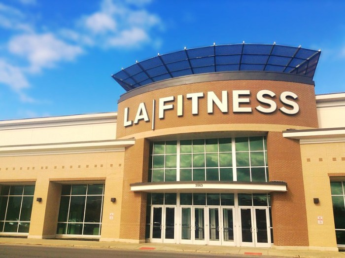 Crunch vs LA Fitness