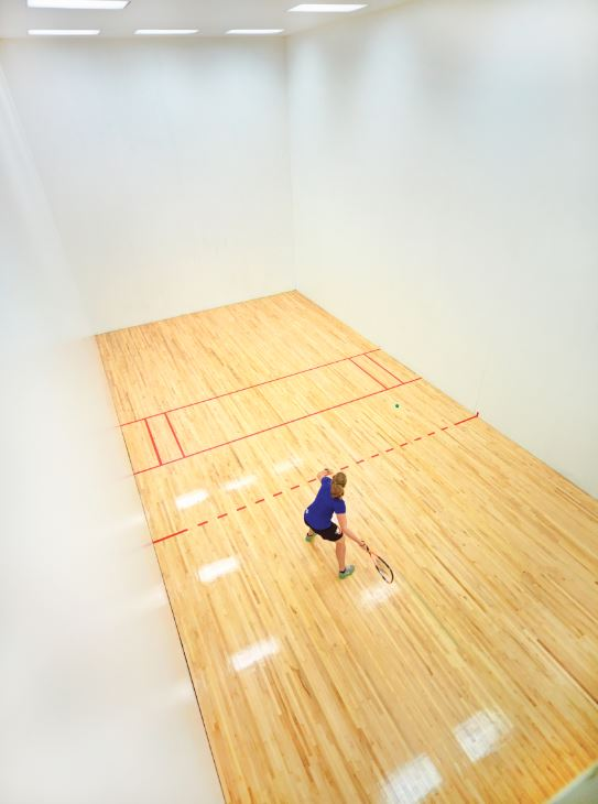 Racquetball court at Life Time