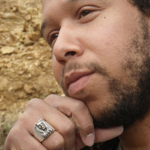 Mighty Mystic wearing the Trunity Rastaman Ring
