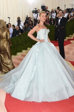 She was the Cinderella of the night and it got even more magical what her dress lit up un the dark and she started glowing like a firefly. Absolutely stunning! SOURCE: http://www.vogue.com/slideshow/13429562/met-gala-2016-red-carpet-celebrity-fashion-live/#132