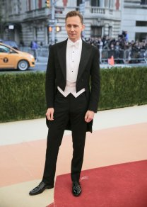 One of the neatest and most elegant look of the night. The sharp angles of his suit bring a graceful finish. SOURCE: http://www.vogue.com/slideshow/13429562/met-gala-2016-red-carpet-celebrity-fashion-live/#187