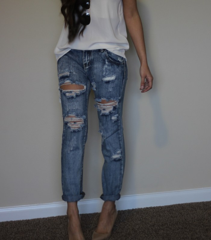 Boyfriend jeans for petite girls. How to wear them so they are flattering.