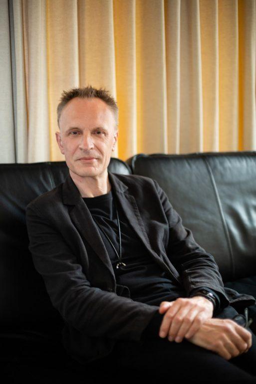 Portrait photograph of Journalist Richard Horton