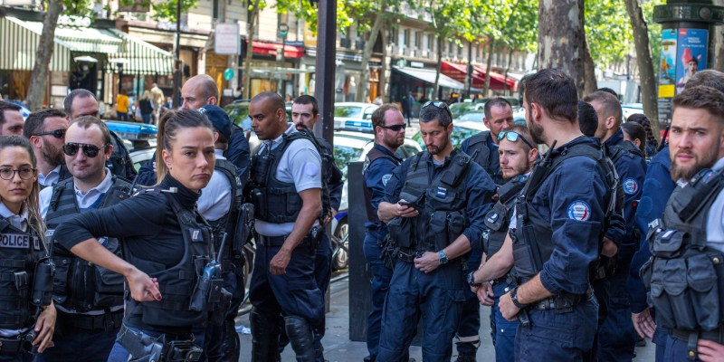 French government increase police surveillance