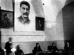Заседание в Ленинграде, второй справа — П. П. Ефименко