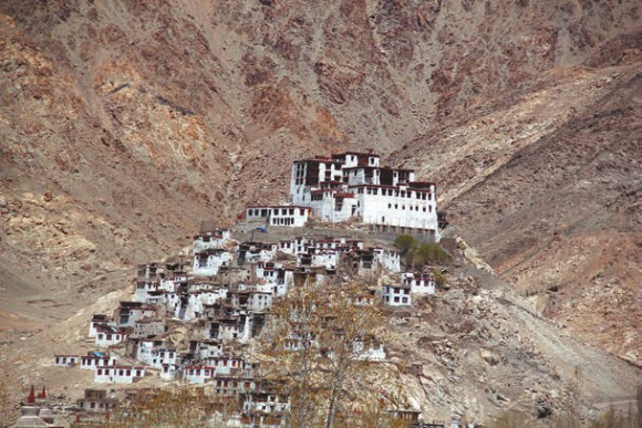 Буддийский монастырь Ки, 4000 м, долина Спити,  8 сентября 2011 года. Фото В. Скворцова