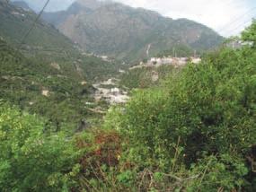 Вид на горное ущелье и город Катра. Фото Б.К. Ганнибала