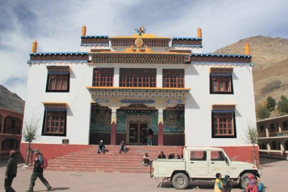 Новый буддийский монастырь. Деревня Гулина. 7 октября 2011 года. Фото В. Скворцова