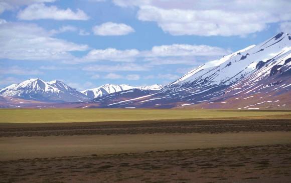 Пустынное плато в Занскарском хребте (4700 м). 16 июня 2015 года