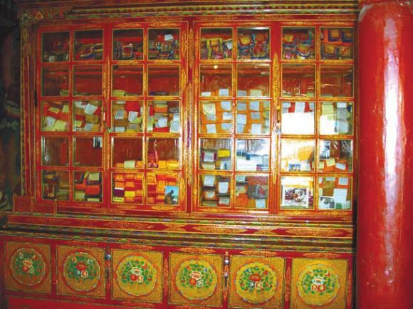 Библиотека. Монастырь Ликир. 28 июня 2015 года. Фото Б. Ганнибала