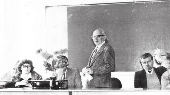 Конференция для учителей Заочной школы. Слева направо: Елена Георгиевна Глаголева, Владимир Фёдорович Овчинников, Израиль Моисеевич Гельфанд