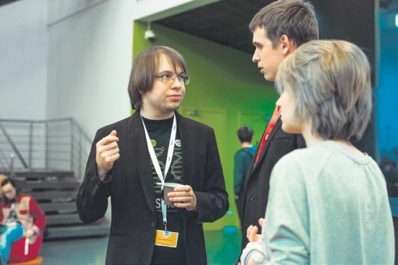 Александр Панчин с Романом Переборщиковым, организатором лектория