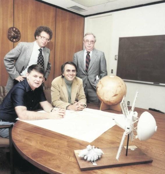 Основатели Планетного общества, 1980 год. Карл Саган в центре